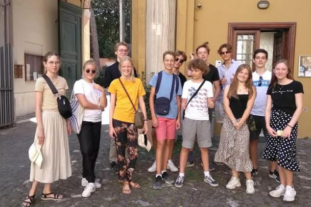 8.b og c er i Rom