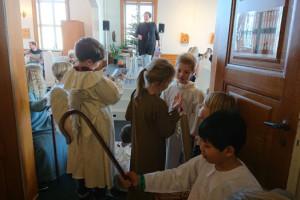 Eleverne øver sig til adventsgudstjenesterne