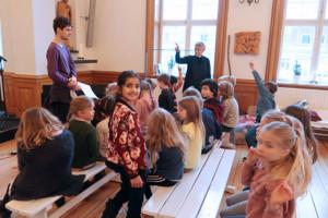 Eleverne øver krybbespil