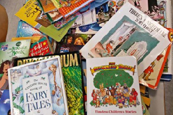 Engelske bøger fra den amerikanske ambassade