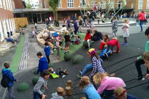 Den nye skolegård vokser